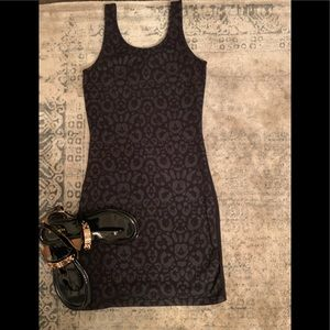 Dresses & Skirts - EUC LITTLE BLACK FUN DRESS! Sz M